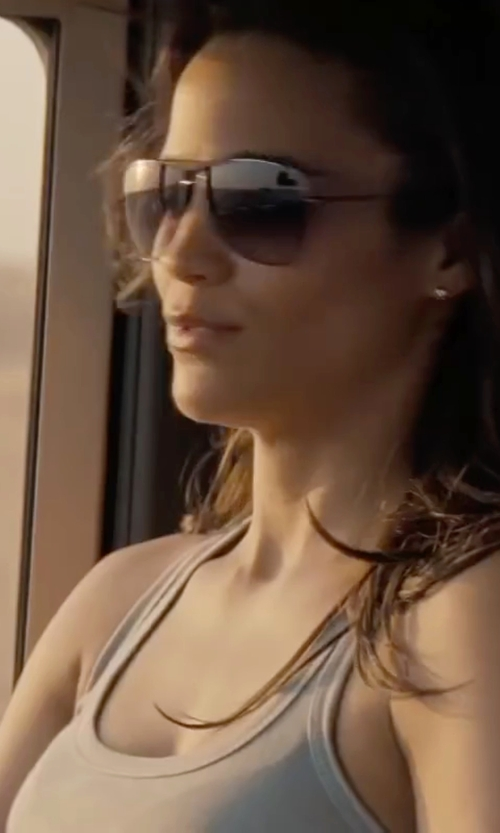 Paula Patton with The Lady & The Sailor V-Neck Tank Top in Mission: Impossible - Ghost Protocol