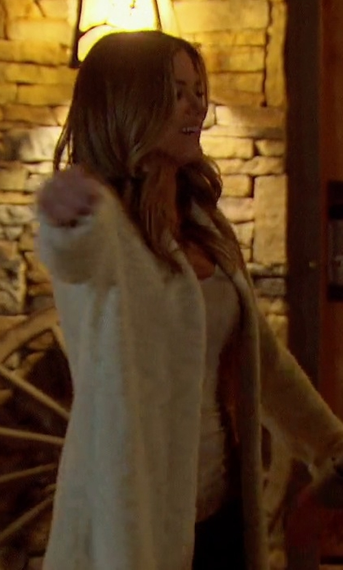JoJo Fletcher with Line Fringe Trim Sparrow Long Cardigan in The Bachelorette