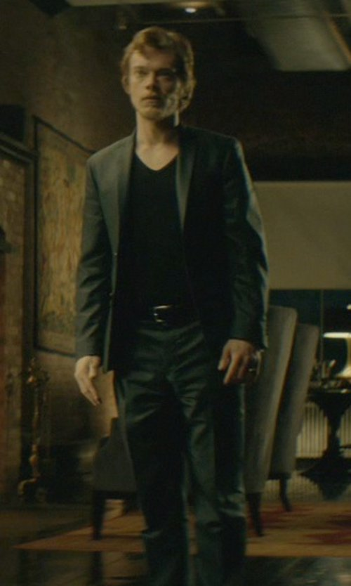 Alfie Allen with Dsquared2 Two-Piece Suit in John Wick