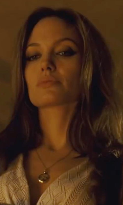Angelina Jolie with Effy Onyx Braid Pendant Necklace in Wanted