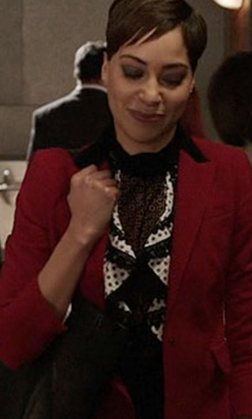 Cush Jumbo with Akris Punto Single-Breasted Wool-Blend Jacket in The Good Fight