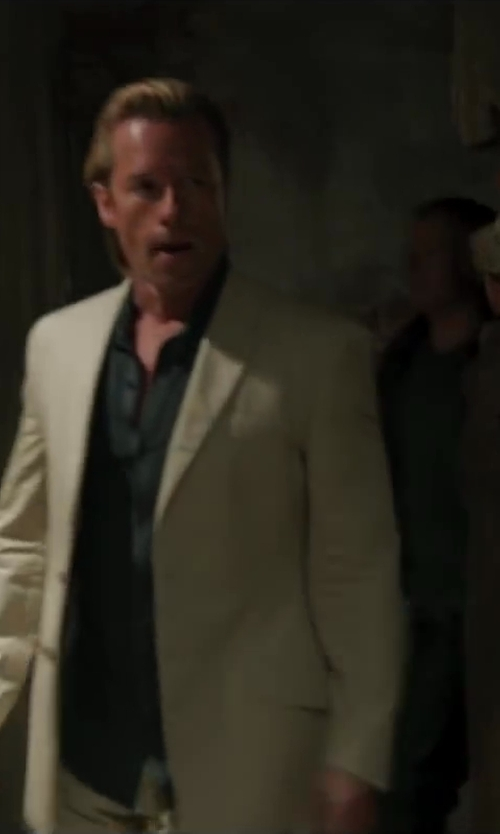 Guy Pearce with Alexander McQueen Short-Sleeve Button-Down Shirt, Black in Iron Man 3