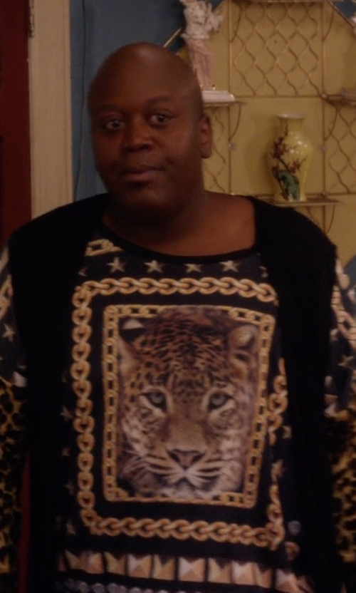 Tituss Burgess with Kenzo Flyer Tiger Pullover Sweater in Unbreakable Kimmy Schmidt