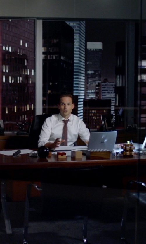 Patrick J. Adams with Dell Inspiron 2 in 1 Convertible Touchscreen Laptop in Suits