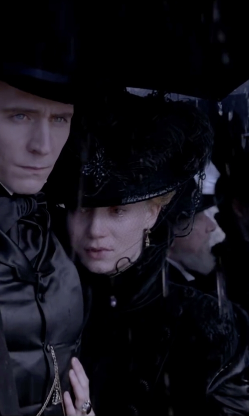 Mia Wasikowska with Tier Motis Black Spinel Drop Earrings in Crimson Peak