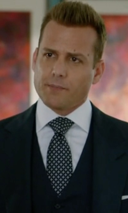 Gabriel Macht with Dolce & Gabbana Patterned Silk Tie in Suits
