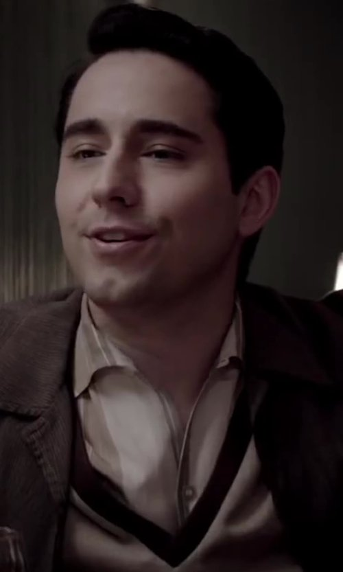 No Actor with ABCM2 Sweater in Jersey Boys