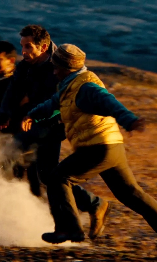 Unknown Actor with Neiman Marcus Cashmere Crew-Neck Sweater in The Secret Life of Walter Mitty