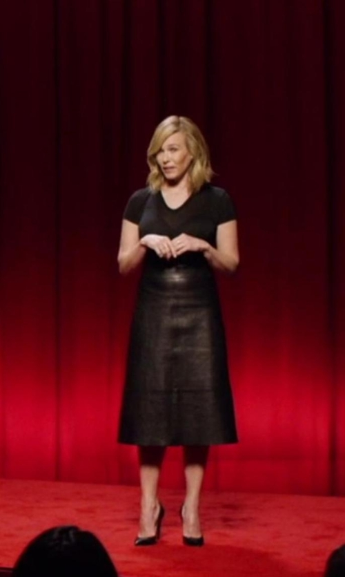 Chelsea Handler with Splendid 1x1 Scoop Tee in Chelsea