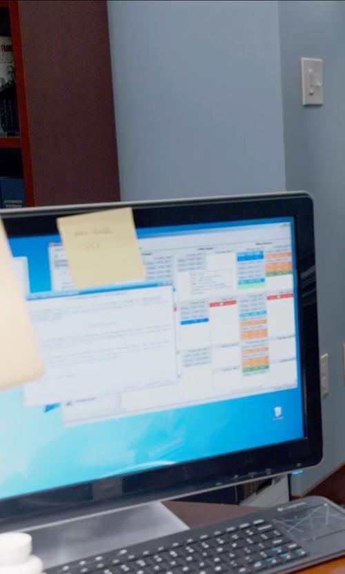 Amanda Seyfried with Logitech Wireless Touch Keyboard in Ted 2