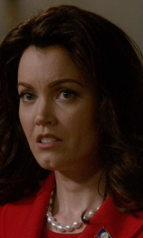 Bellamy Young with Majorica Pearl Choker Necklace in Scandal