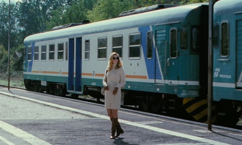 Thekla Reuten with Bombardier Trenitalia FS Class E.464 Electric Locomotive Train in The American
