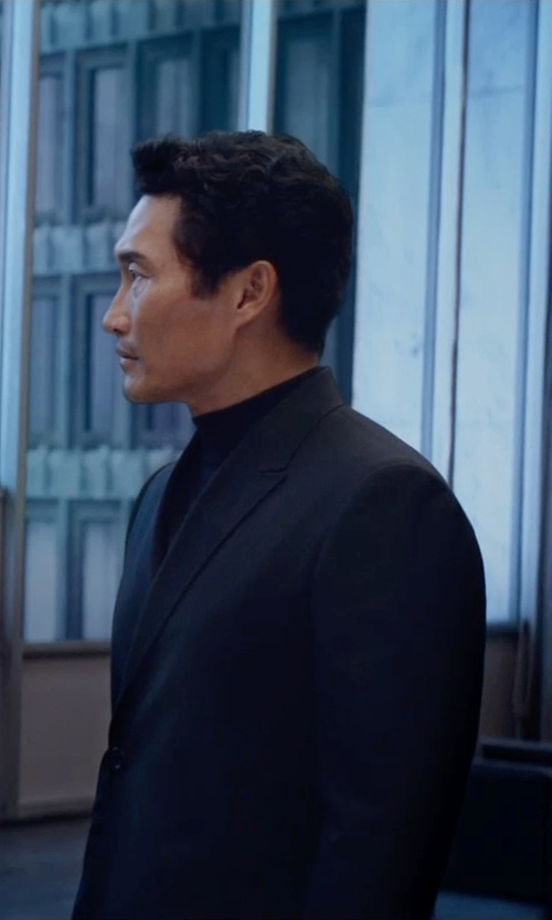Daniel Dae Kim with Vince Camuto Long Sleeve Turtleneck Shirt in The Divergent Series: Insurgent