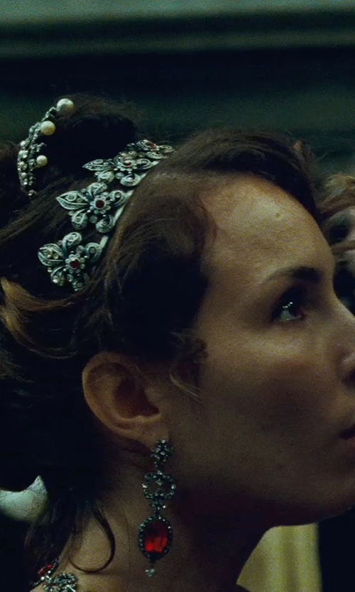 Noomi Rapace with Millennium Creations White Gold Earrings in Sherlock Holmes: A Game of Shadows