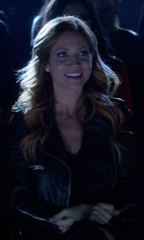 Brittany Snow with AllSaints Higgens Leather Biker Jacket in Pitch Perfect 3