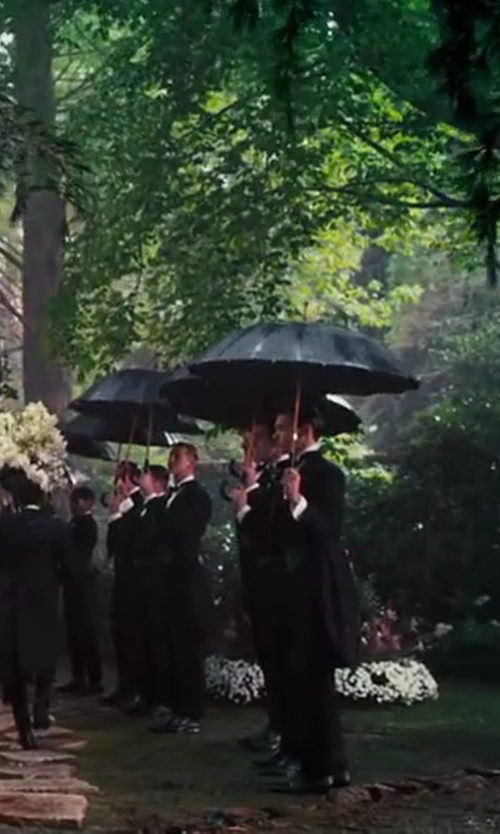 Unknown Actor with Burberry London Waterloo Umbrella in The Great Gatsby