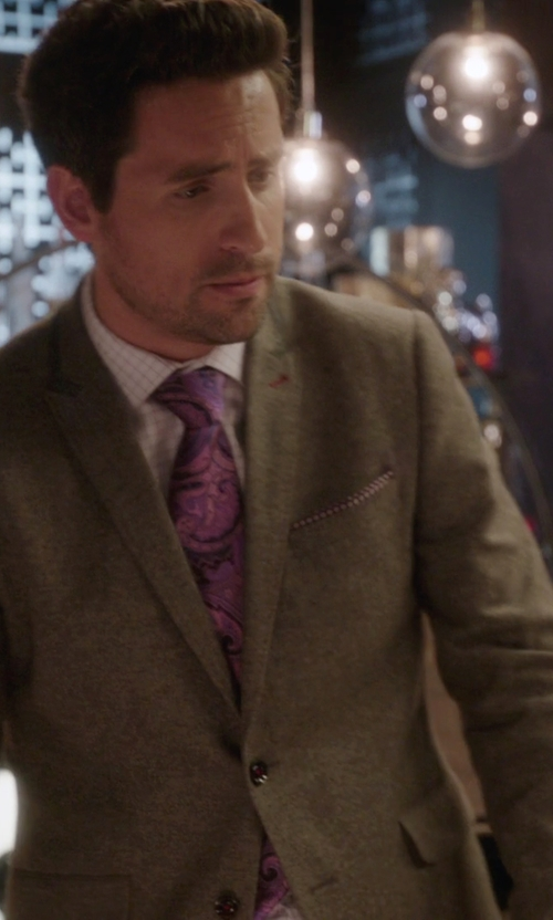Ed Weeks with Feraud Premium Wool Blazer in The Mindy Project