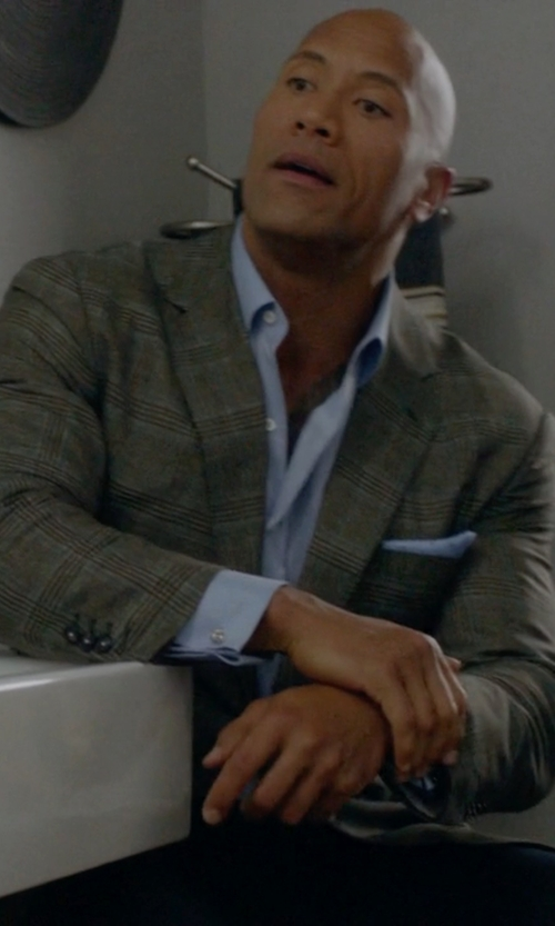 Dwayne Johnson with Forzieri Solid Silk Pocket Square in Ballers