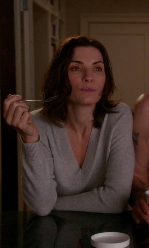 Julianna Margulies with Autumn Cashmere Cashmere Contrast-Piped V-Neck Sweater in The Good Wife