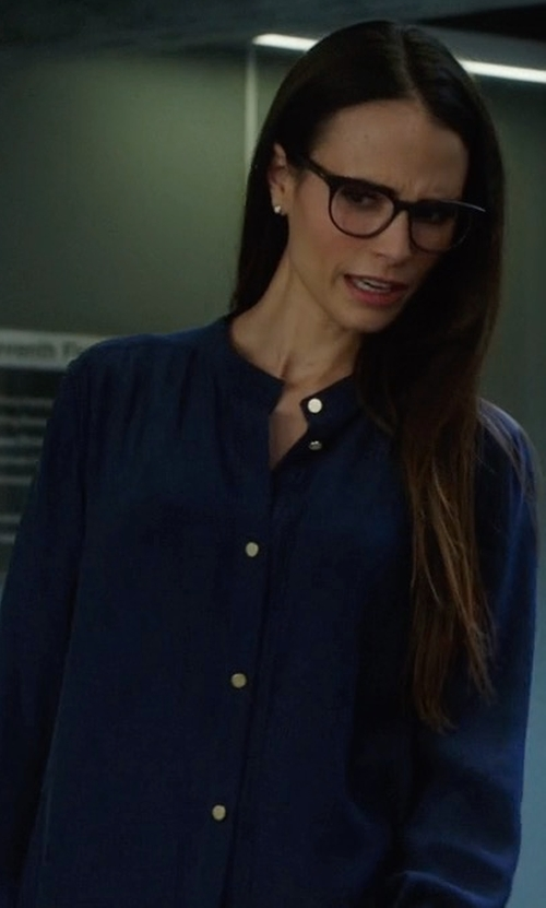 Jordana Brewster with Vince Slim-Fit Stretch-Silk Satin Blouse in Lethal Weapon