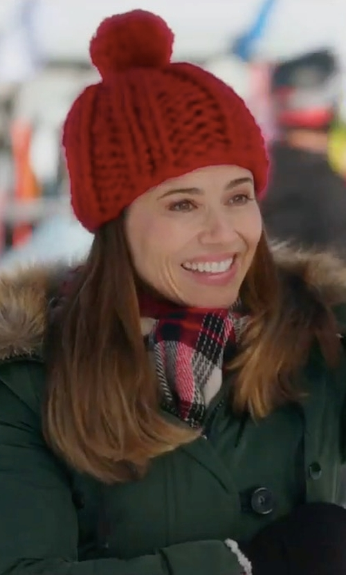 Linda Cardellini with Canada Goose Kensington Slim Fit Down Parka Coat in Daddy's Home 2
