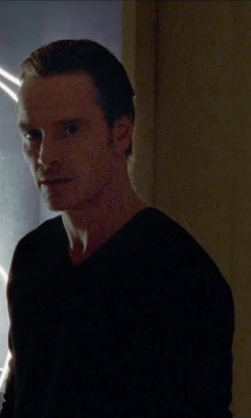 Michael Fassbender with Drumohr Classic V-Neck Sweater in Steve Jobs