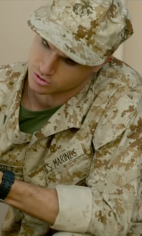 Robbie Amell with Rothco Marines Desert Digital Cap in Max