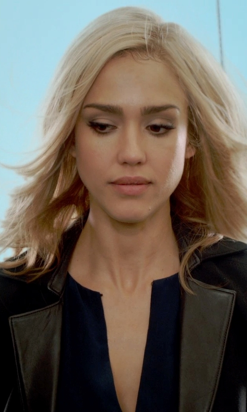 Jessica Alba with Vince Silk Tipped Contrast Blouse in Barely Lethal