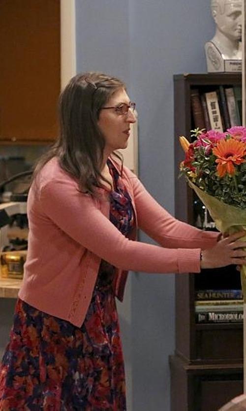 Mayim Bialik with Lord & Taylor Basic Crewneck Cashmere Cardigan in The Big Bang Theory