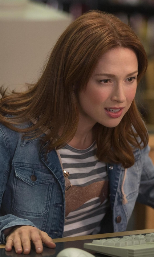 Ellie Kemper with Abercrombie & Fitch Denim Twofer Jacket in Unbreakable Kimmy Schmidt
