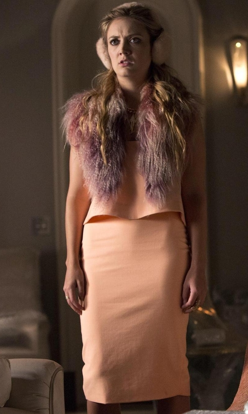 Billie Lourd with The Fur Vault Knitted Mink Fur Scarf in Scream Queens