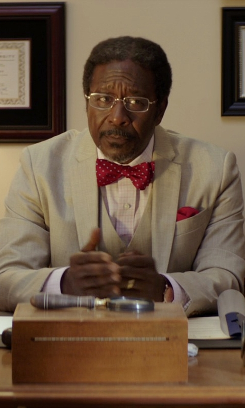 Clarke Peters with R. Hanauer Men's Windsor Dot Bow Tie in The Best of Me
