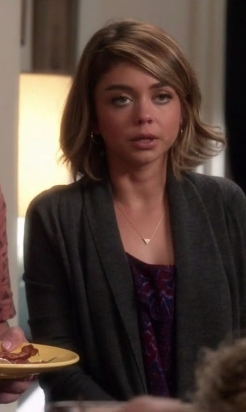 Sarah Hyland with H&M Draped Cardigan in Modern Family