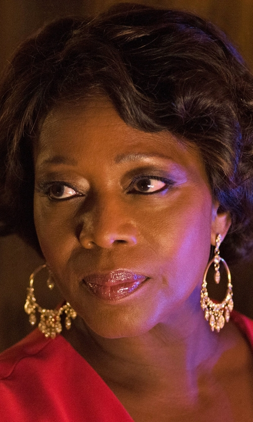 Alfre Woodard with Devon Leigh Baroque Pearl Statement Hoop Earrings in Marvel's Luke Cage