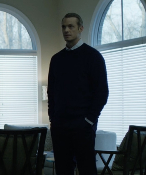 Joel Kinnaman with Roberto Collina Crew Neck Sweater in House of Cards