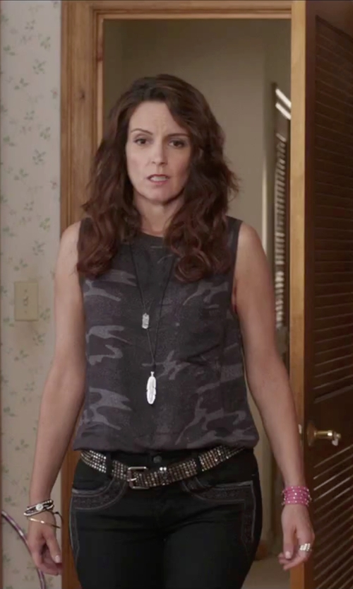 Tina Fey with Cowboys Belt Leather Stud Belt in Sisters