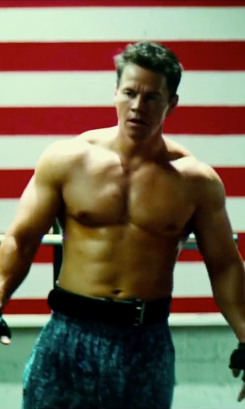 Mark Wahlberg with Harbinger 285 6-Inch Padded Leather Lifting Belt in Pain & Gain