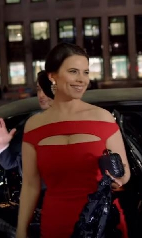 Hayley Atwell with Bottega Veneta Woven Satin Knot Minaudiere Bag in Conviction