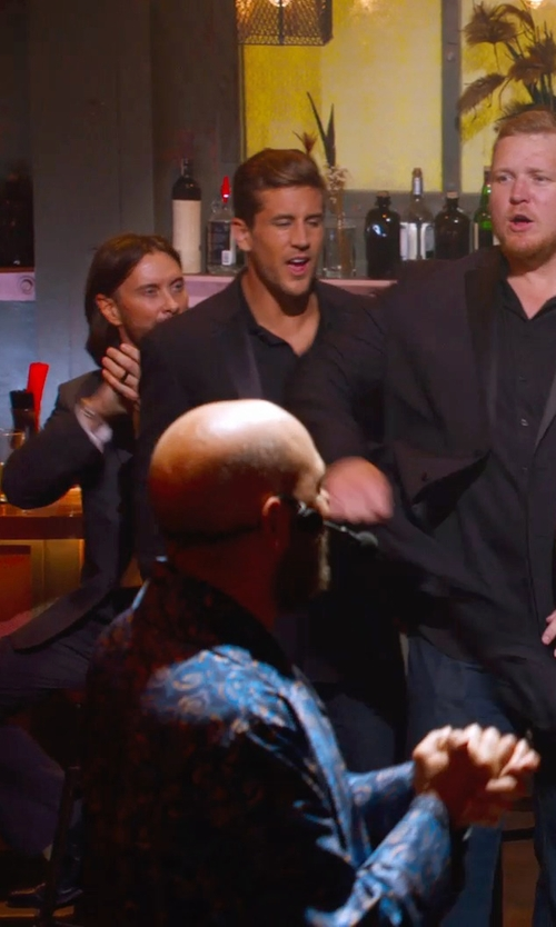 Jordan Rodgers with Ryan Seacrest Distinction Black Peak Tuxedo Jacket in Pitch Perfect 2