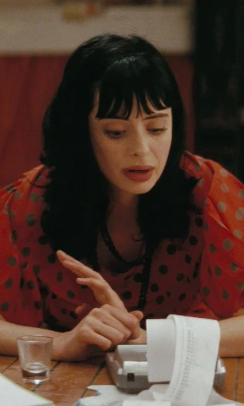 Krysten Ritter with JewelryJungle Massimo Black Rhodium Link Necklace in Confessions of a Shopaholic