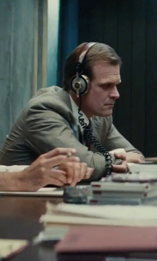 David Harbour with Eskuche 33iS On-Ear Audio Headphones in Black Mass