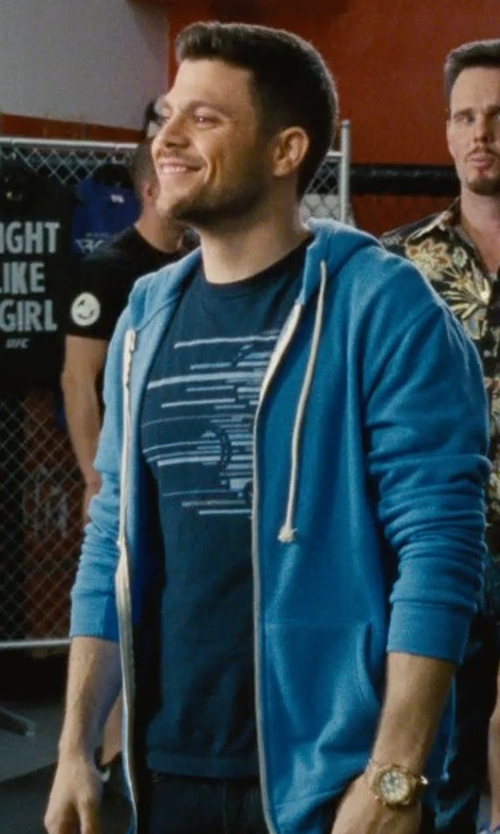 Jerry Ferrara with Kidrobot Streak Bot Head T-Shirt in Entourage