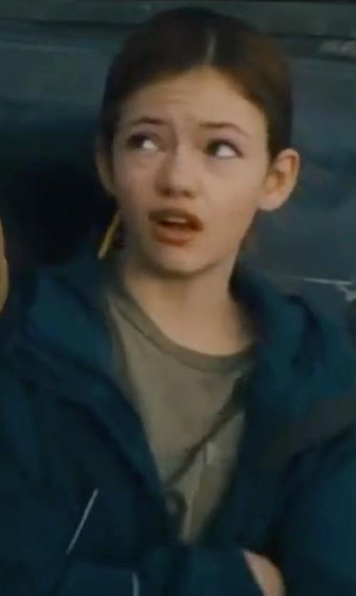 Mackenzie Foy with Hanes Girls' Plain Fatigue Tagless T-Shirt in Interstellar