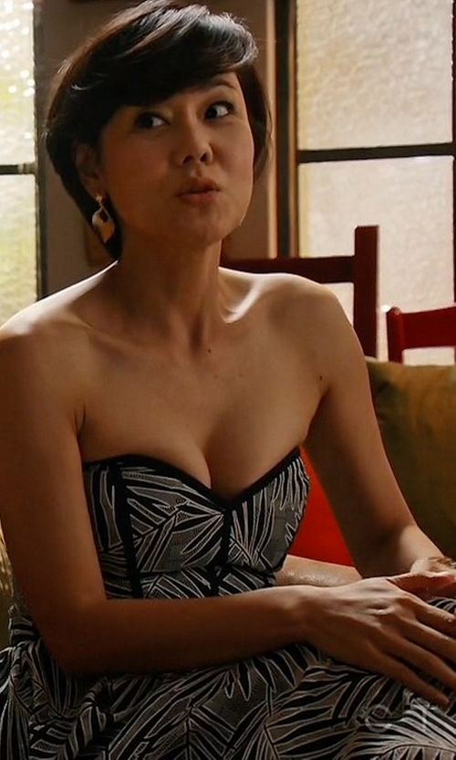 Yunjin Kim with Parker Azalea Sweetheart-Neck Strapless Dress in Mistresses