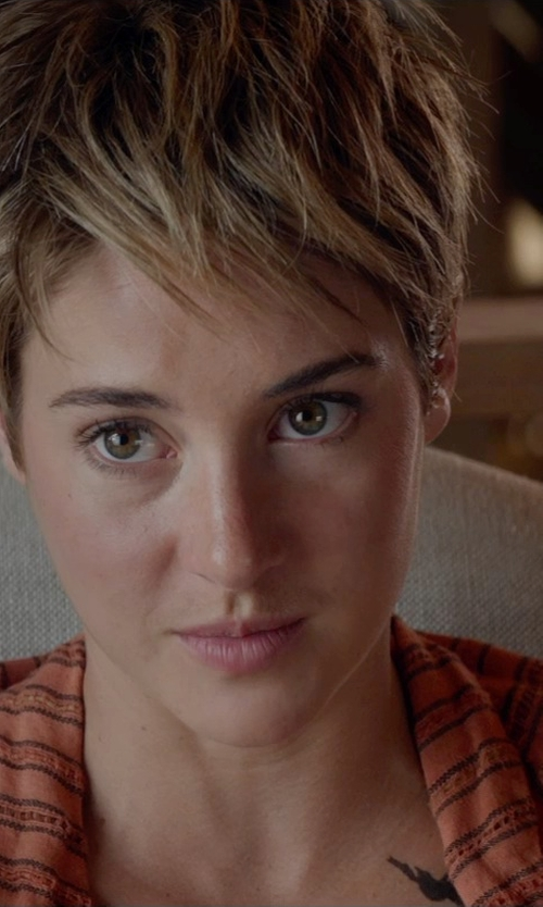 Shailene Woodley with Safavieh Jenny Arm Chair in The Divergent Series: Insurgent
