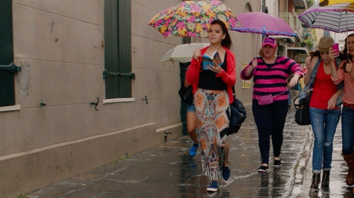 Hailee Steinfeld with Maeve Moorea Maxi Skirt in Pitch Perfect 2