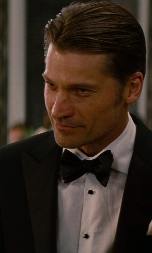 Nikolaj Coster-Waldau with Hugo Boss Cotton Pocket Square in The Other Woman