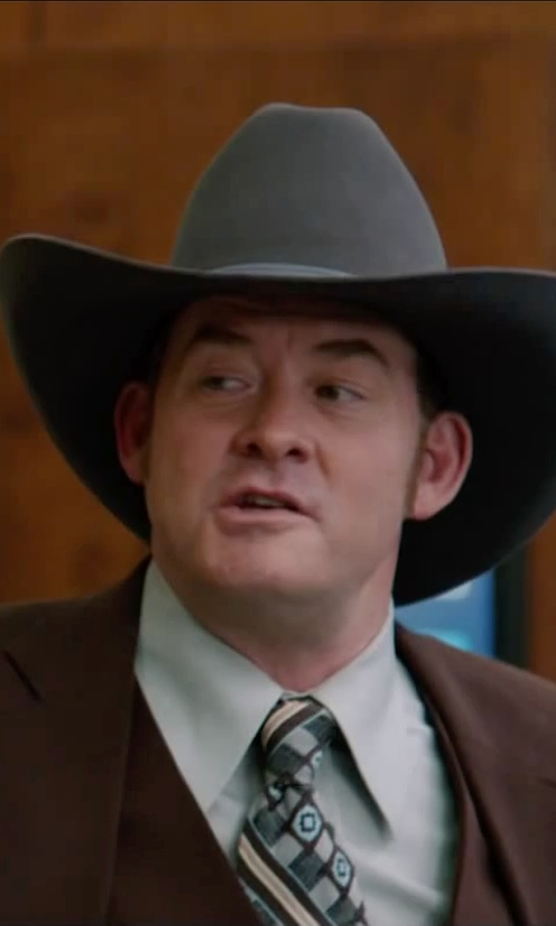 David Koechner with Yves Saint Laurent Modern-Fit Cotton Dress Shirt in Anchorman 2: The Legend Continues