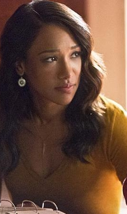 Candice Patton with Gap Modern Long-Sleeve V-Neck Tee in The Flash