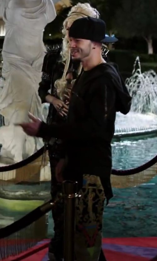 Stephen Stevo Jones with ETRO Casual pants in Step Up: All In